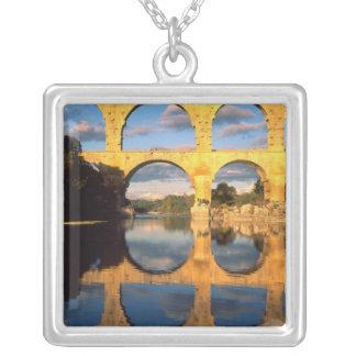 Collier Pont du le Gard, rivière de Gardon, le Gard,