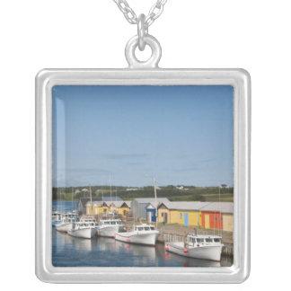 Collier Port du nord de lac, île Prince Edouard.