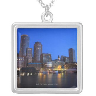 Collier Port et horizon de Boston.  Boston est l'un des 8