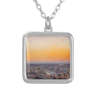 Collier Portland OU paysage urbain et coucher du soleil de