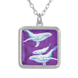 Collier Pourpre de famille de baleines bleues