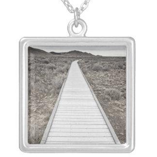 Collier Promenade par le désert