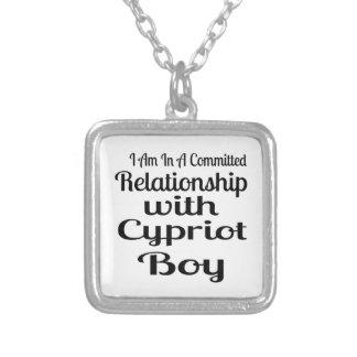 Collier Rapport avec le garçon chypriote