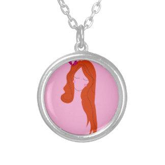 Collier Rose de femme de mode avec de longs cheveux