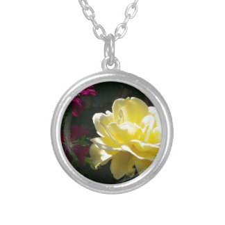 Collier Rose jaune