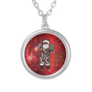 Collier rouge africain de Claus de léopard de père Noël