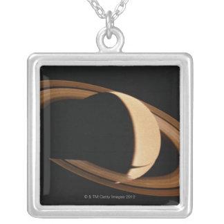 Collier Saturn 3