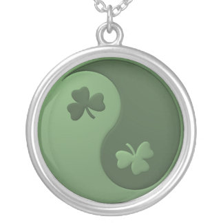 Collier Shamrocks de Yin Yang
