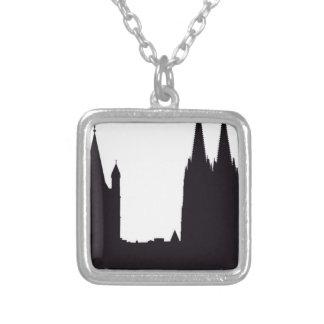 Collier Silhouette de cathédrale