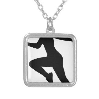 Collier Silhouette de femme de forme physique