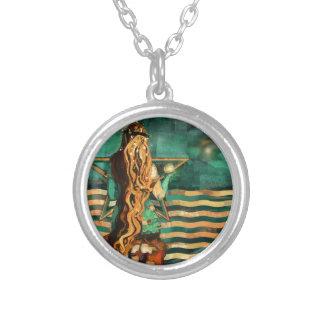 Collier Sirène par la mer avec la lune et les étoiles