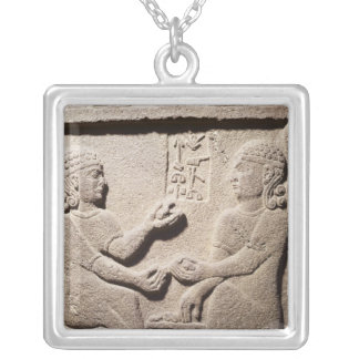 Collier Soulagement dépeignant le fils du Roi Araras