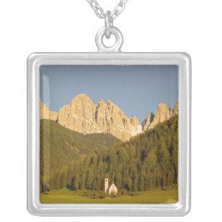 Collier St Giovanni, Di Funes, dolomites, Italie de Val
