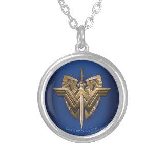 Collier Symbole de femme de merveille avec l'épée de la
