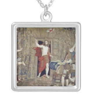 Collier Tapisserie dépeignant la résurrection du Christ