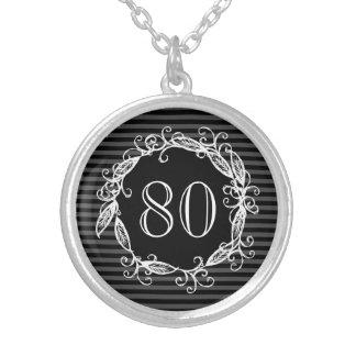 Collier Tourbillonnant gris noir blanc du quatre-vingtième