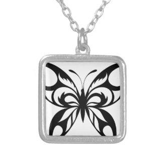 Collier Tribal-Papillon-Silhouette