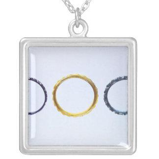 Collier Trois bracelets, de Mathay-Mandeure