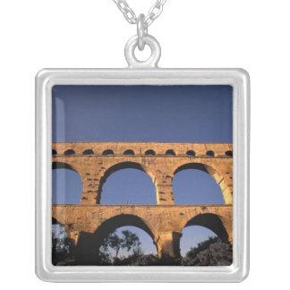 Collier UE, France, Provence, le Gard, Pont du le Gard.