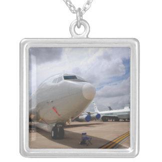 Collier Un avion de jonction à rivets de RC-135V/W
