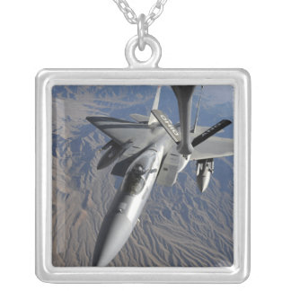 Collier Une Armée de l'Air d'USA F-15 Eagle