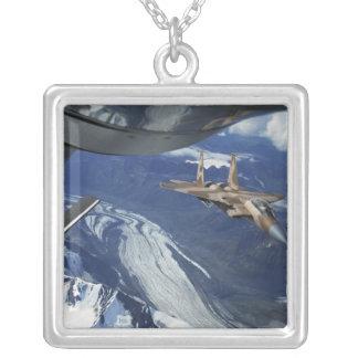 Collier Une Armée de l'Air d'USA F-15C Eagle se plaçant