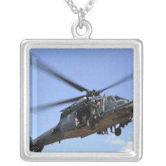 Collier Une Armée de l'Air d'USA HH-60 Pavehawk