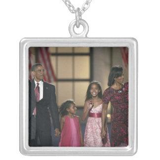 Collier Vague de famille de Barak Obama à la nuit dernière