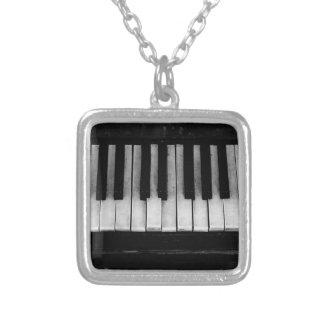 Collier Vieille musique d'instrument de clavier de piano à