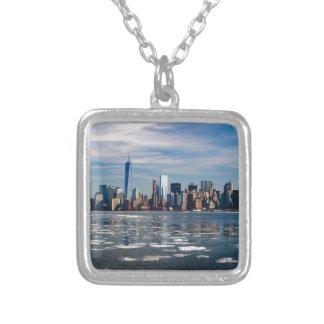 Collier Ville Manhattan de New York City d'horizon de New