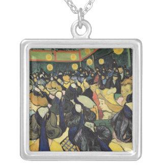 Collier Vincent van Gogh | la salle de danse chez Arles,
