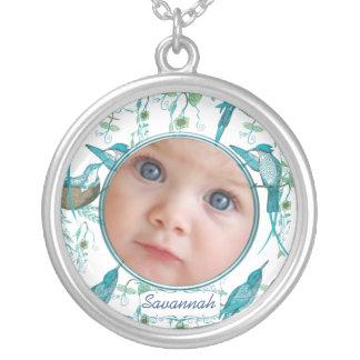 Collier vintage de photo de bébé de colibris