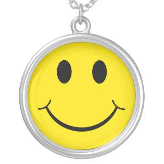 Collier Visage heureux souriant jaune des années 70