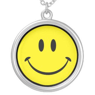 Collier Visage souriant heureux original