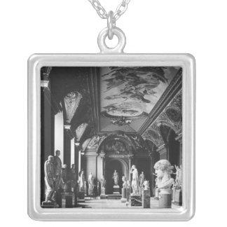 Collier Vue de la salle d'Augustus