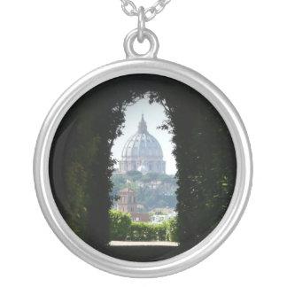 Collier Vue de trou de la serrure de la basilique de St