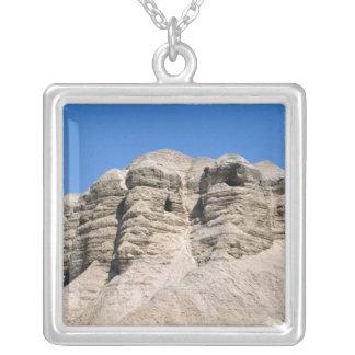 Collier Vue des cavernes de Qumran
