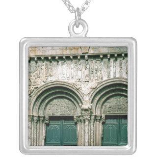 Collier Vue du transept du sud c.1100-04 portail