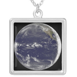 Collier Vue satellite de la terre