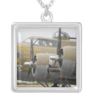 Collier Washington, Olympia, airshow militaire. 2