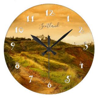 Collines en Ecosse, belle horloge murale