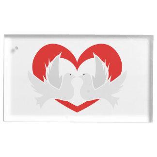 Colombes de paix d'illustration avec le coeur porte-cartes de  table