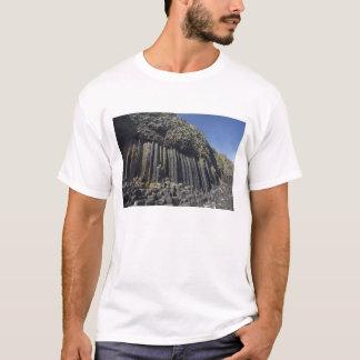 Colonnes de basalte par la caverne de Fingal, T-shirt