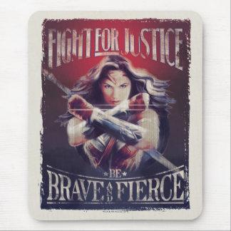 Combat de femme de merveille pour la justice tapis de souris