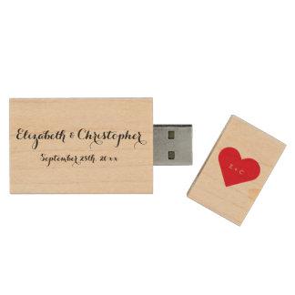 Commande en bois d'USB de mariage de nom de coeur Clé USB