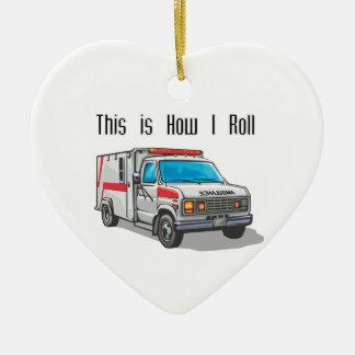 Comment je roule l'ambulance ornement cœur en céramique