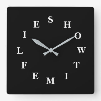Comment le temps pilote l'horloge murale de carré horloge carrée