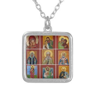 Communion de collier d'icône de saints