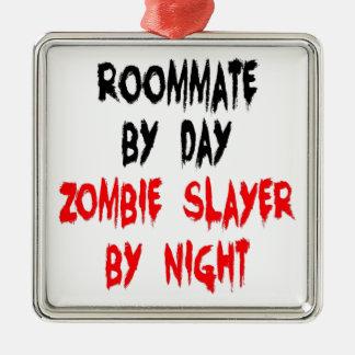 Compagnon de chambre de tueur de zombi ornement carré argenté