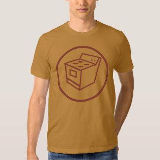 compétent dans des appareils électroménagers de t-shirt